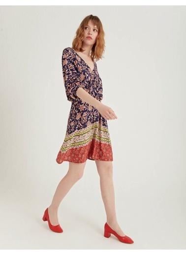 BGN Lacivert - Viskon Karışım V Yaka Elbise Lacivert
